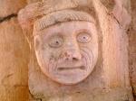 Mönchskopf in der Rotunde von Simiane
